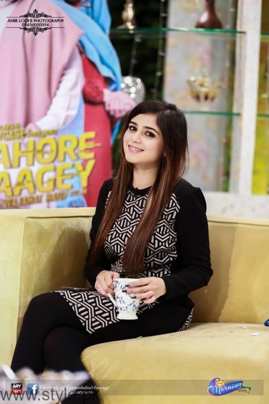 Beautiful Aima Baig in Sanam Baloch's Morning Show