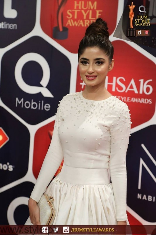Celebrities at Qmobile HUM Style Awards 2016 (37)