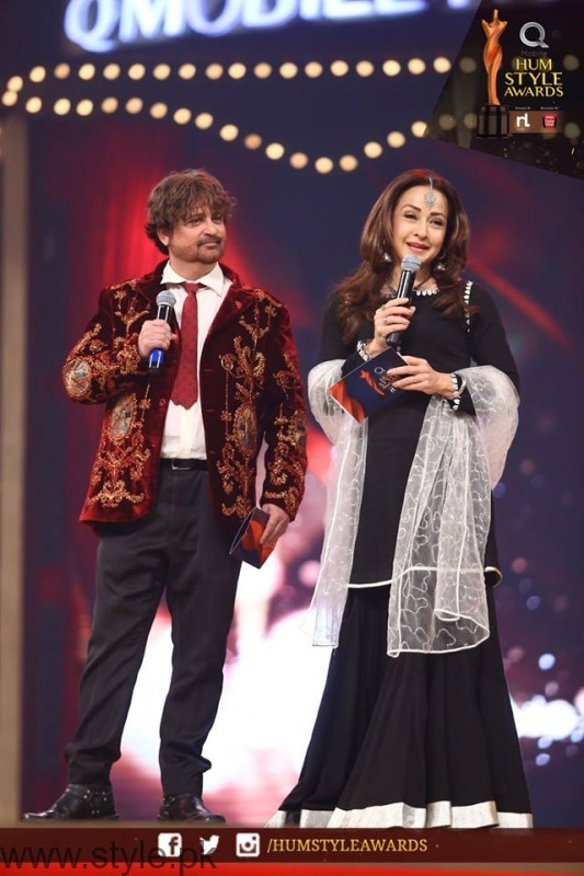 Celebrities at Qmobile HUM Style Awards 2016 (38)