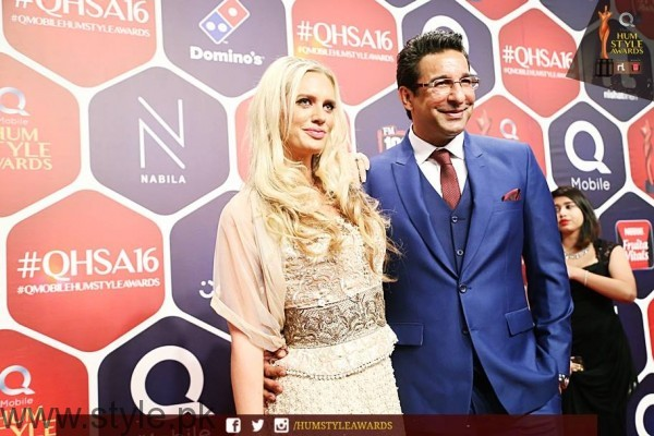 Celebrities at Qmobile HUM Style Awards 2016 (52)