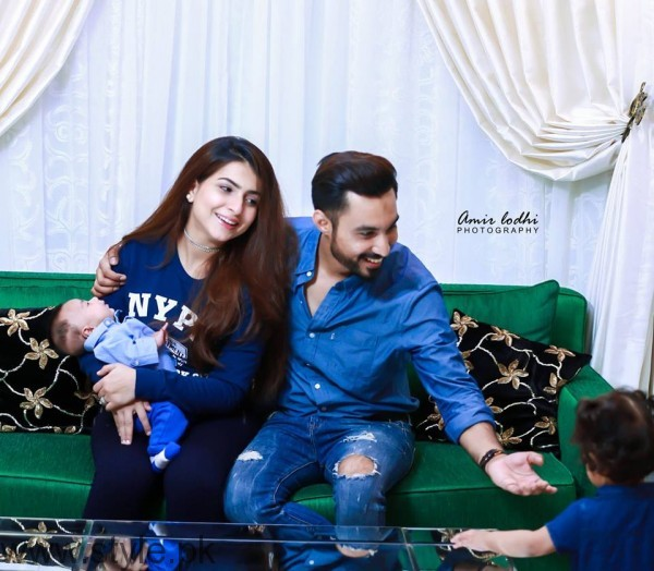 Dua Malik Family Photoshoot