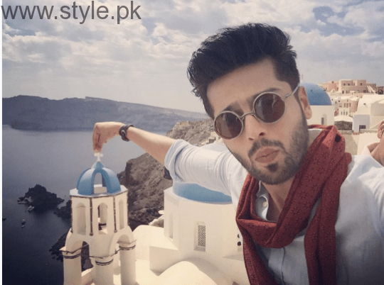 Fahad Mustafa is vacationing with wife in Greece (1)