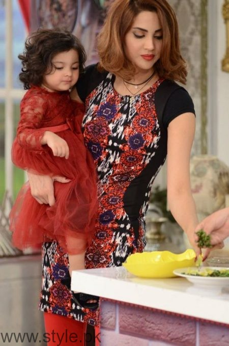 Fiza Ali with her daughter in Good Morning Pakistan (3)