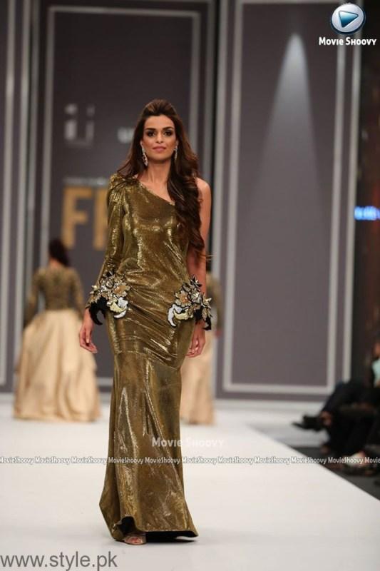 Maheen Karim Collection at Fashion Pakistan Week 2016 (3)