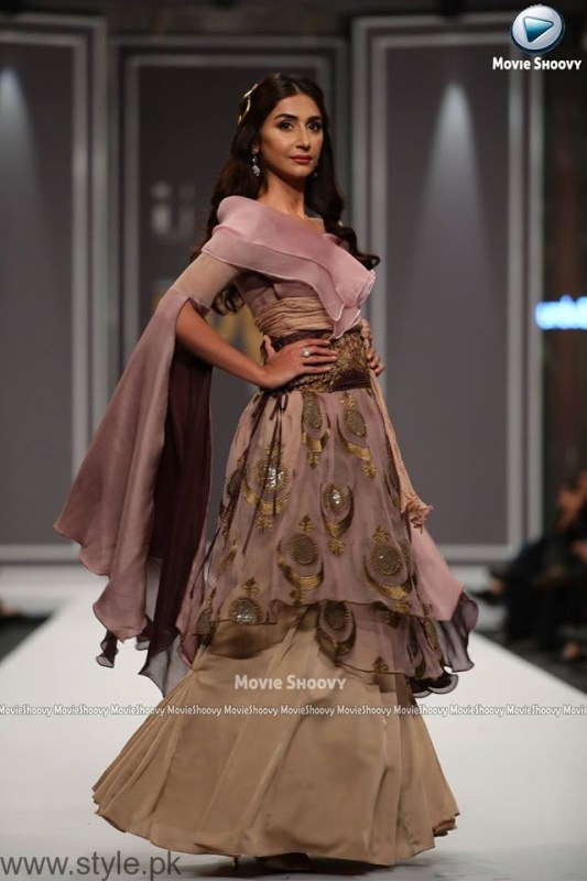 Urdu Presents Kosem Sultan at FPW2016 (3)