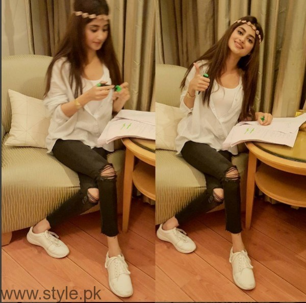 White Sneakers Trend in Pakistani Celebrities (8)