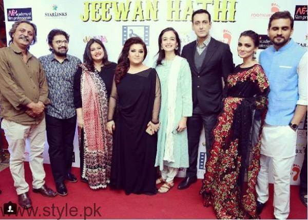Celebrities at Premier of Jeewan Hathi (5)