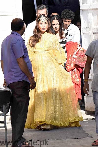 Kareena Kapoor and Saif Ali Khan's recent photoshoot (2)
