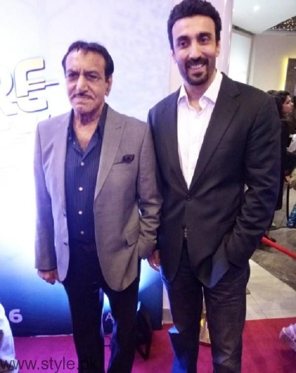 Lahore Se Aagey Premiere In Karachi Pics 01
