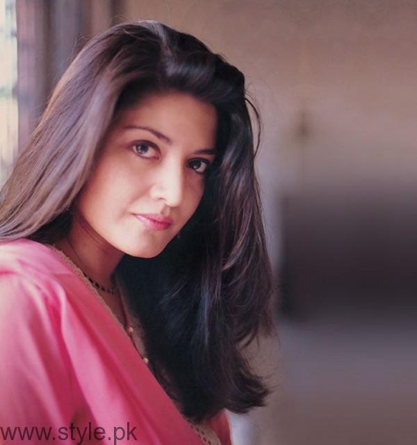 Nazia Hassan Pakistani Female Singers Education