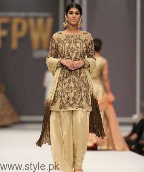 Pakistani Golden Party wear Dresses (2)