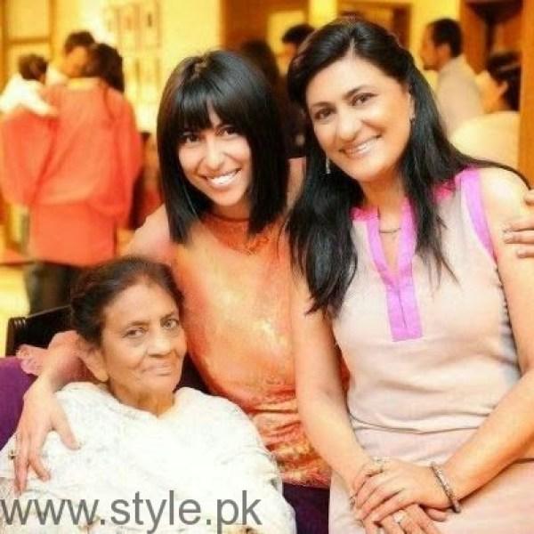 Saba Hameed Mother