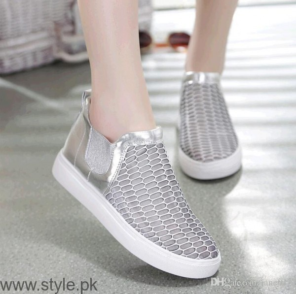 Women Fashion Sneakers (8)