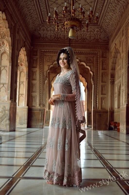Actress Zara Abbas Profile, Pictures and Dramas (18)