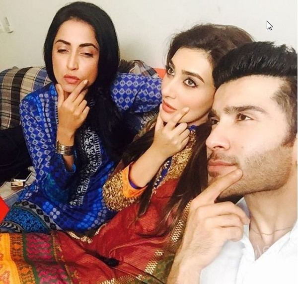 Ayesha Khan and Feroze Khan is a new on Screen couple (4)