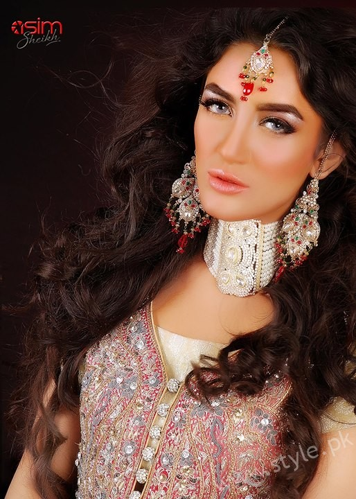 Mathira Muhammad Bridal beauty shoot for Fabiolla Beauty Parlour