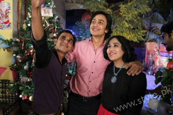 Yasra Rizvi's Engagement Pictures (2)