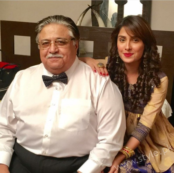 Ayeza Khan and Imran Abbas Cast Of Mohabbat Tum Se Nafrat Hai (19)