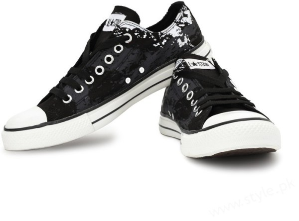 canvas shoes for and in pakistan