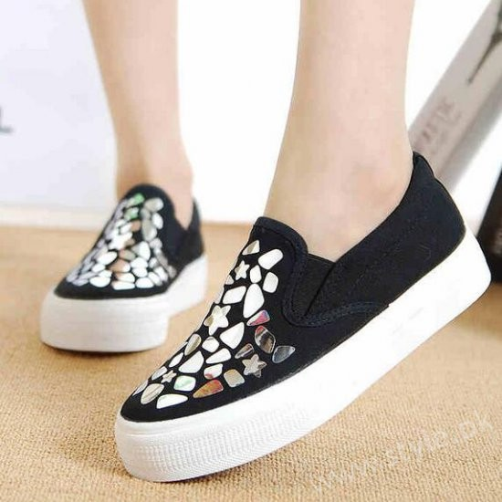Canvas Shoes for Men, Women and Girls in Pakistan (3)