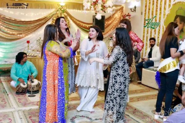 Celebrities at Javeria Saud's daughter Jannat Saud's Birthday Party (18)