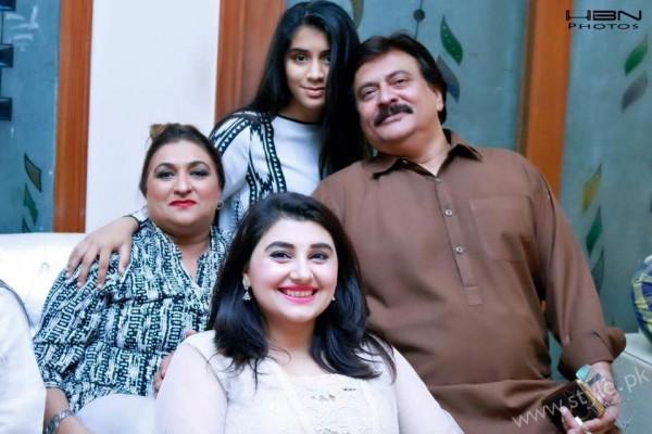 Celebrities at Javeria Saud's daughter Jannat Saud's Birthday Party (24)