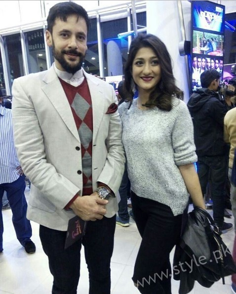 Celebrities at Premiere of Thora Jee Le (13)