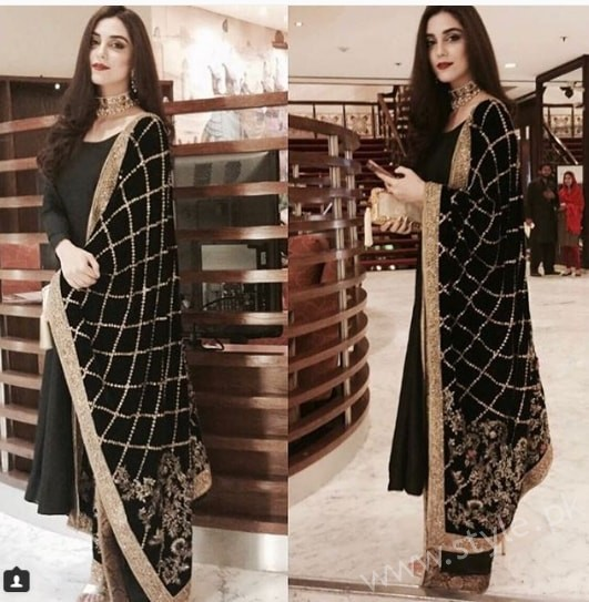 Embroidered velvet shawls are ruling in winters 2017 (12)