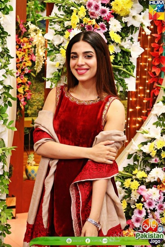 Kubra Khan, Sarah Khan, Iqra Aziz and Sonya Hussain at 12 Anniversary of HUM TV (15)