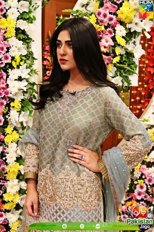Kubra Khan, Sarah Khan, Iqra Aziz and Sonya Hussain at 12 Anniversary of HUM TV (18)