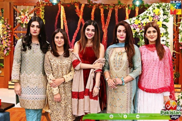 Kubra Khan, Sarah Khan, Iqra Aziz and Sonya Hussain at 12 Anniversary of HUM TV (22)