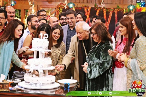 Kubra Khan, Sarah Khan, Iqra Aziz and Sonya Hussain at 12 Anniversary of HUM TV (4)