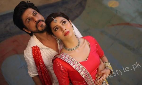 Mahira Khan and Shahrukh Khan's Chemistry in Raees gives us Major Love Goals (7)