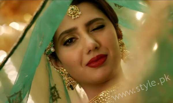 Mahira Khan's second song Udi Udi Jaye made people fall head over heels (2)