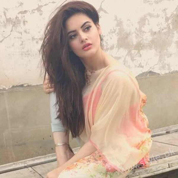 Minal Khan's Profile, Pictures and Dramas (17)