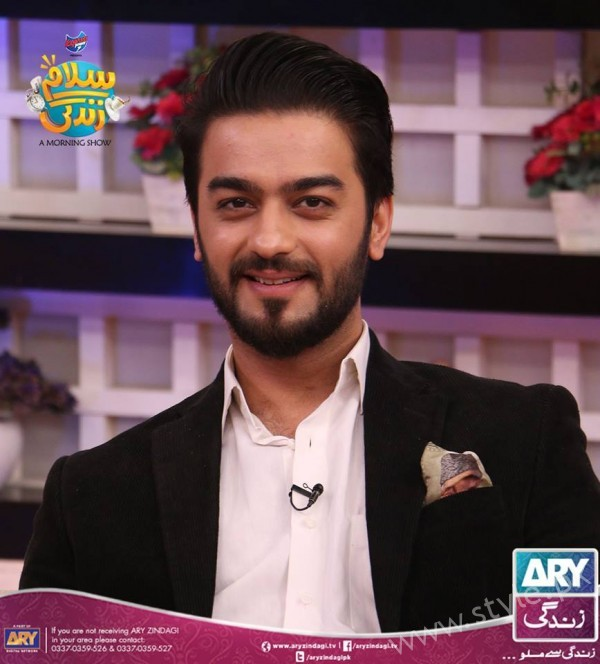 Newly Wed Couple Ahmad Zeb with his wife in Salam Zindagi (10)