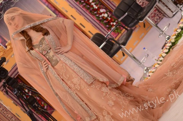 Pakistani Bride's and Groom's Fashion Trends (12)