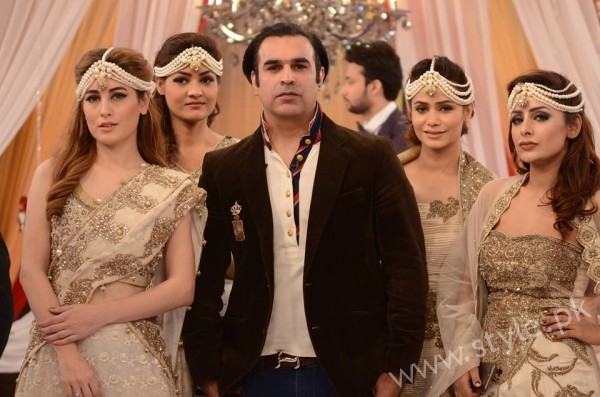 Pakistani Bride's and Groom's Fashion Trends (24)