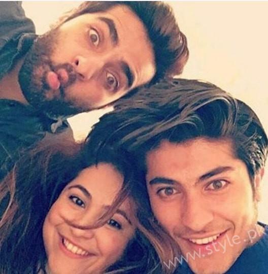 Shehryar Munawar's Family (3)