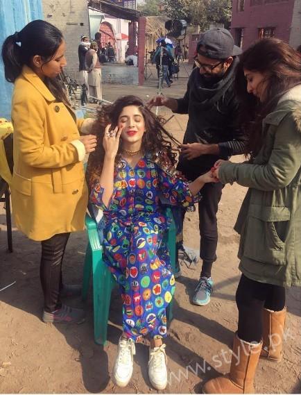 Urwa Hocane and Mawra Hocane's Photoshoot for Rang Ja (14)