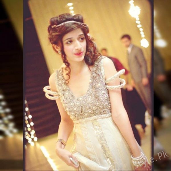 Best Hairstyles Of Pakistani Actresses