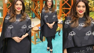 See Sanam Jung looks hot in Black Dress and Red Lipstick