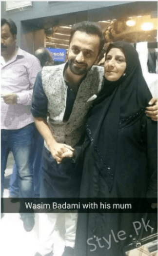 Super Star Waseem Badami Latest Click With His Mother