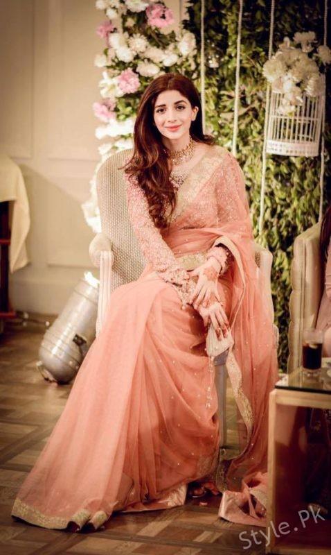 See Mawra Hocane looks beautiful in Saree at a Wedding