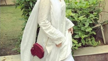 See Sajal Ali's Desi Look in Traditional Dress