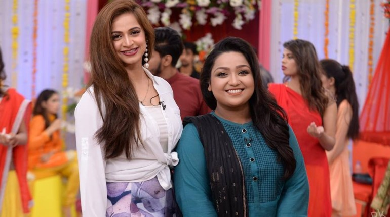 See Uroosa Siddiqui and Noor Bukhari in Good Morning Pakistan (1)