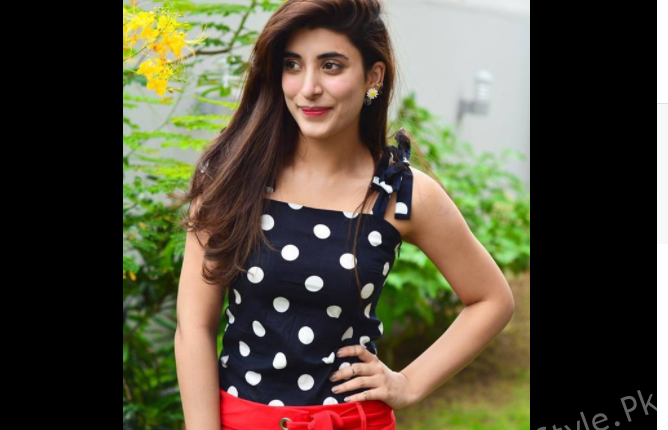 see Click of the Charming Urwa from her Recent Photo-shoot!