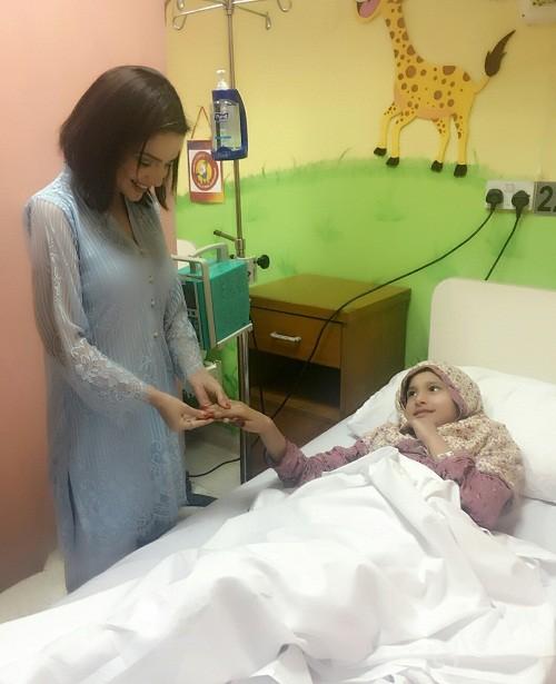 Armeena And Fesl Khan Visited SKMCH