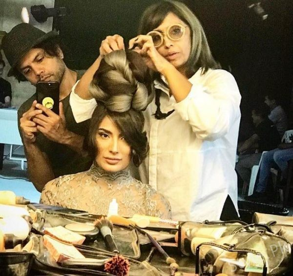 Mehwish Hayat New Hairstyle For Her New Project