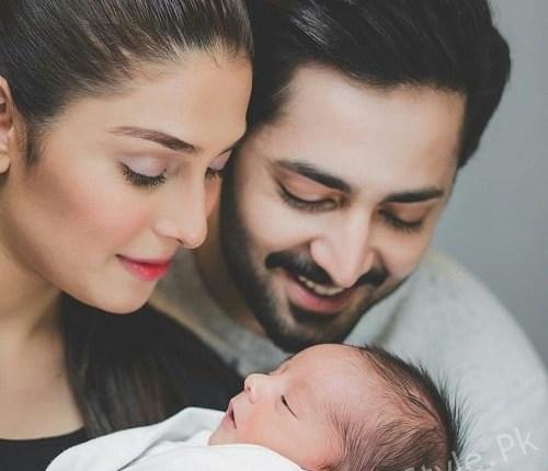 Ayeza Khan Adorable Family Photoshoot